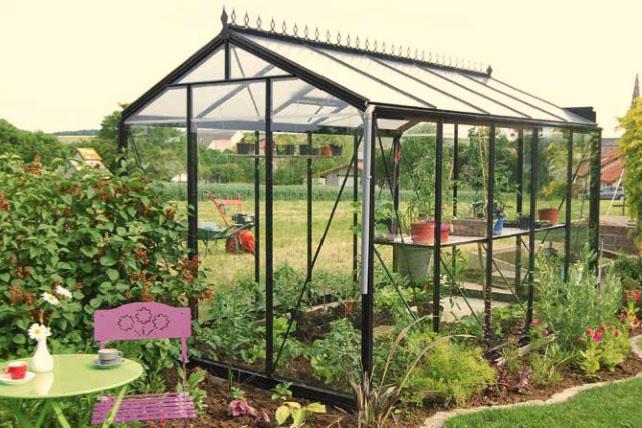 Une serre de jardin : idéale pour un jardin BIO