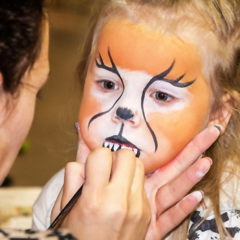 Un maquillage d'enfant 100% bio