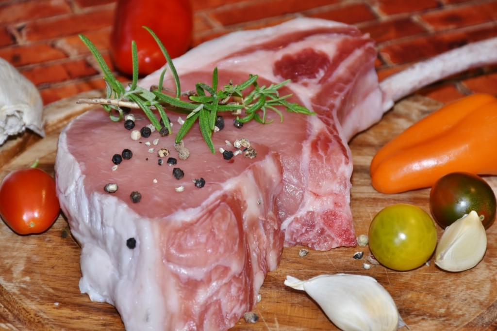meat_pig_pig_back_pork_bone_grilling_raw_tasty-561965.jpg!d